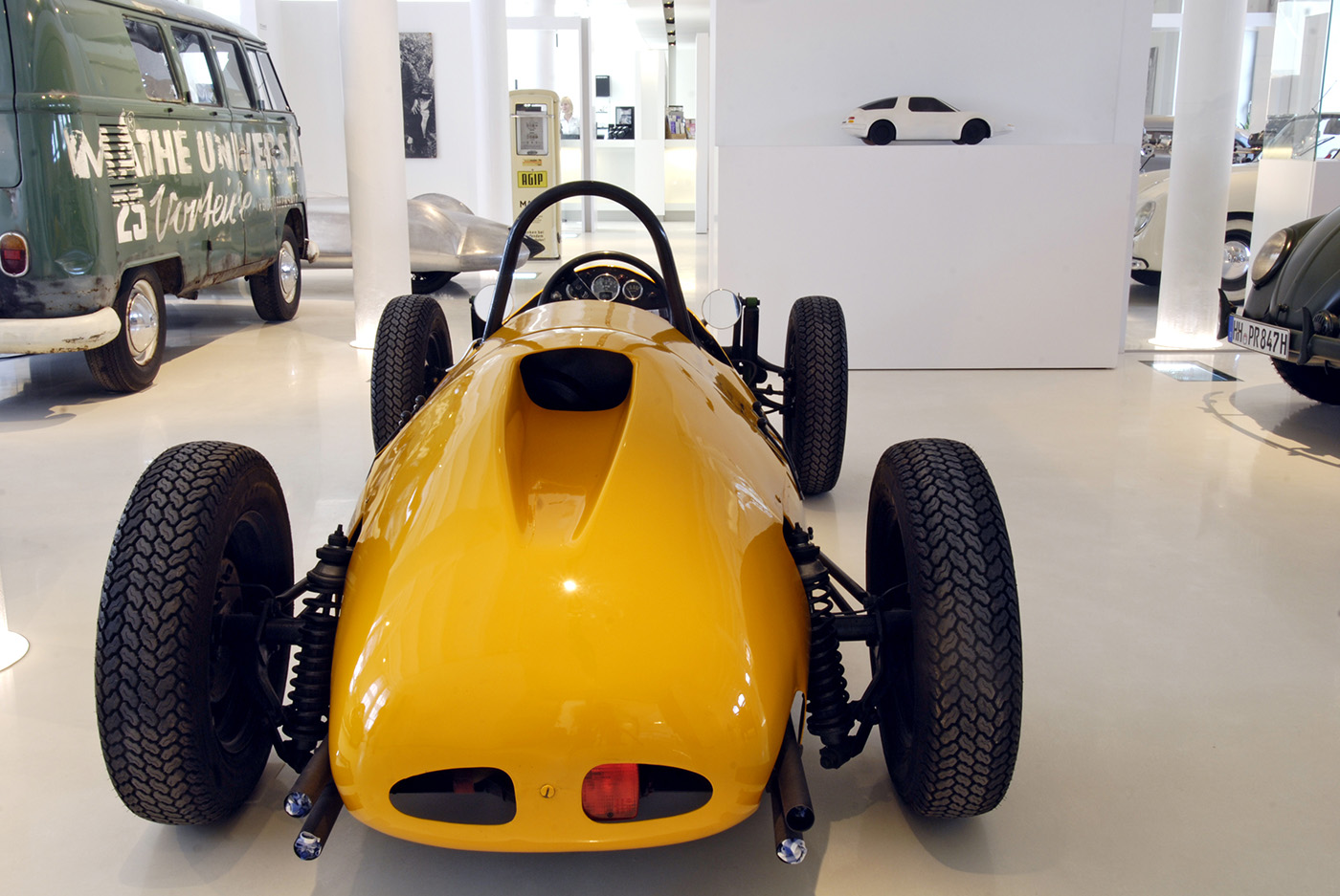Formel-Rennwagen, VW-Bus Bulli, Prototyp-Museum, Hafencity