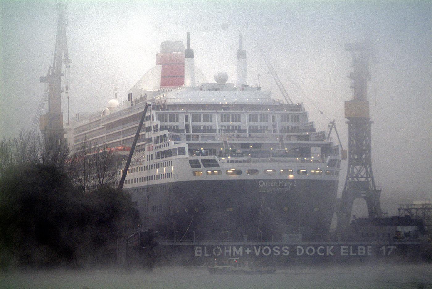 QUEEN MARY 2, größtes Kreuzfahrtschiff der Welt.