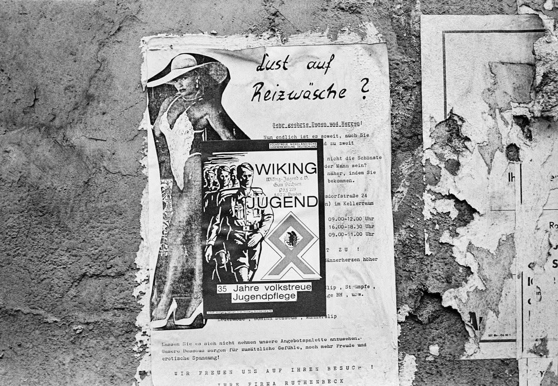 Wild plakatierte Werbung für die rechtsextreme Wiking-Jugend, in Görlitz