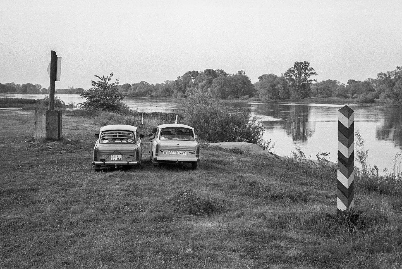 Oder-Ufer mit Grenzmarkierungen, in Lebus