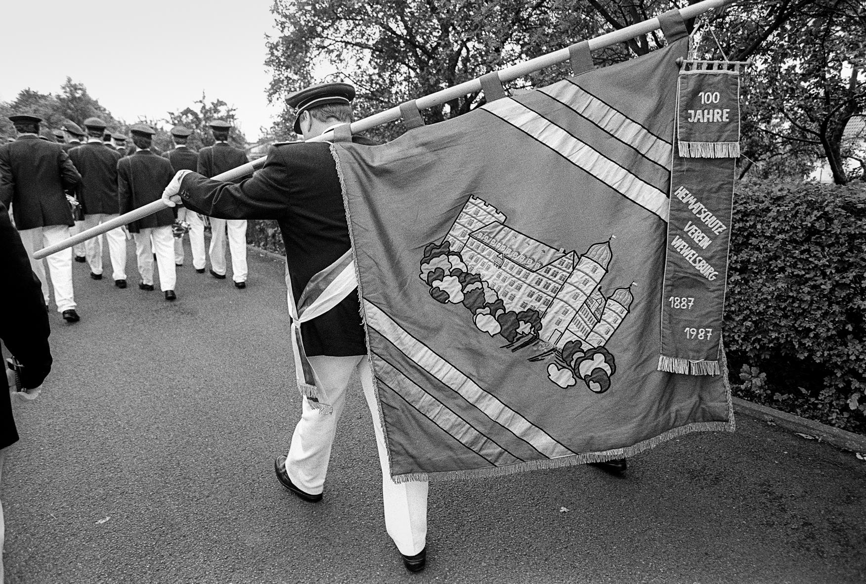 der Heimatschutzverein marschiert